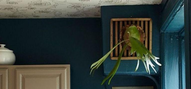 Trang trí đồ nội thất đẹp hơn chỉ với giấy dán tường